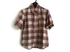 プレッジのシャツ