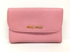 miumiu(ミュウミュウ)のWホック財布