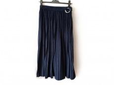 アイアムアイインファクトのスカート