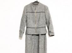 アニオナのワンピーススーツ