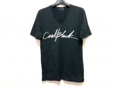 コールブラックのTシャツ