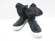 チンツィアアライアのブーツ