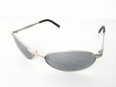 キラーループのサングラス
