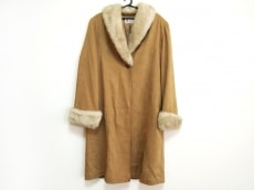 ホワイト イタリヤードのコート