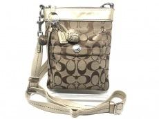 COACH(コーチ)のシグネチャー スモールフィールドファイルバッグのショルダーバッグ
