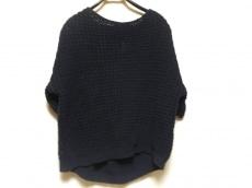 アンルートのセーター