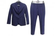 トネッロのレディースパンツスーツ