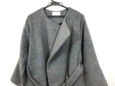 ニードルデザインのコート