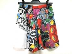 アリス マッコールのスカート