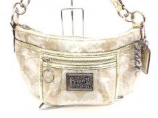 COACH(コーチ)のポピーシグネチャーグルーヴィーのハンドバッグ