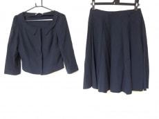 フォクシーニューヨークのスカートスーツ