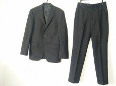 インヘイルエクスヘイルのメンズスーツ