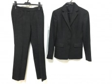 アナイのレディースパンツスーツ