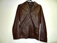 グネーレのジャケット