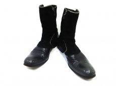 アレキサンダーオットのブーツ