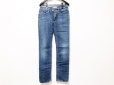アクネジーンズのジーンズ