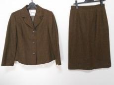 Mademoiselle NON NON(マドモアゼルノンノン)のスカートスーツ