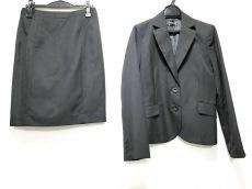 アーティクルのスカートスーツ