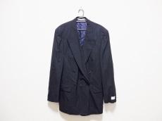 ヒューゴボス×バーニーズニューヨークのジャケット