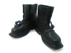 ダークビッケンバーグのブーツ