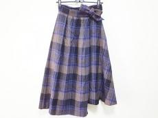 オーフリーのスカート