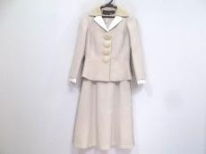 ルイヴィトンのワンピーススーツ