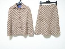 バーバリーブルーレーベルのスカートスーツ