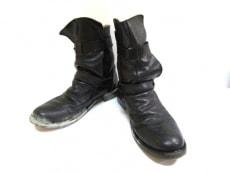 フィオレンティーニアンドベイカーのブーツ