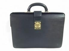 LOUIS VUITTON(ルイヴィトン)のセルヴィエット・フェルモワールのビジネスバッグ