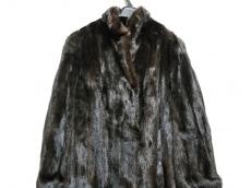 ブラックグラマのコート