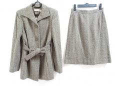 ルイシャンタンのスカートスーツ