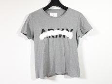マーカのTシャツ