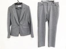 アツロウタヤマのレディースパンツスーツ