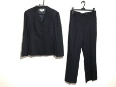 ドリームのレディースパンツスーツ
