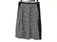 t.b(ティービー/センソユニコ)のスカート