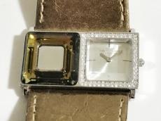 ニューマンの腕時計
