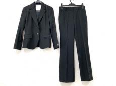 クリュドリィのレディースパンツスーツ