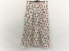 フェイのスカート