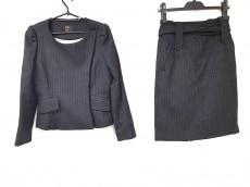 リンガフランカのスカートスーツ