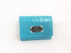 コッコクリスターロの3つ折り財布
