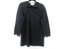 アリューカのセーター