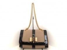 CHRISTIAN LOUBOUTIN(クリスチャンルブタン)のスウィート チャリティのショルダーバッグ