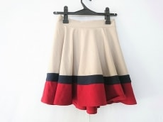 シークレットハニーのスカート
