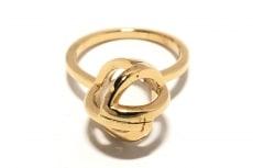 ララボーヒンクのリング