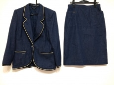 レオナルドのスカートスーツ