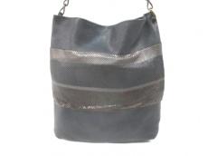 Laura B(ラウラ・ビー)のバッグ