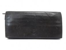 アズレーベルの長財布