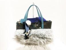 デモデのハンドバッグ