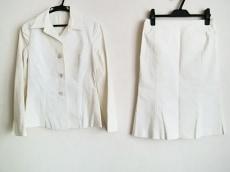 メルローズのスカートスーツ