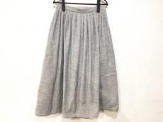 エコールドキュリオジテのスカート